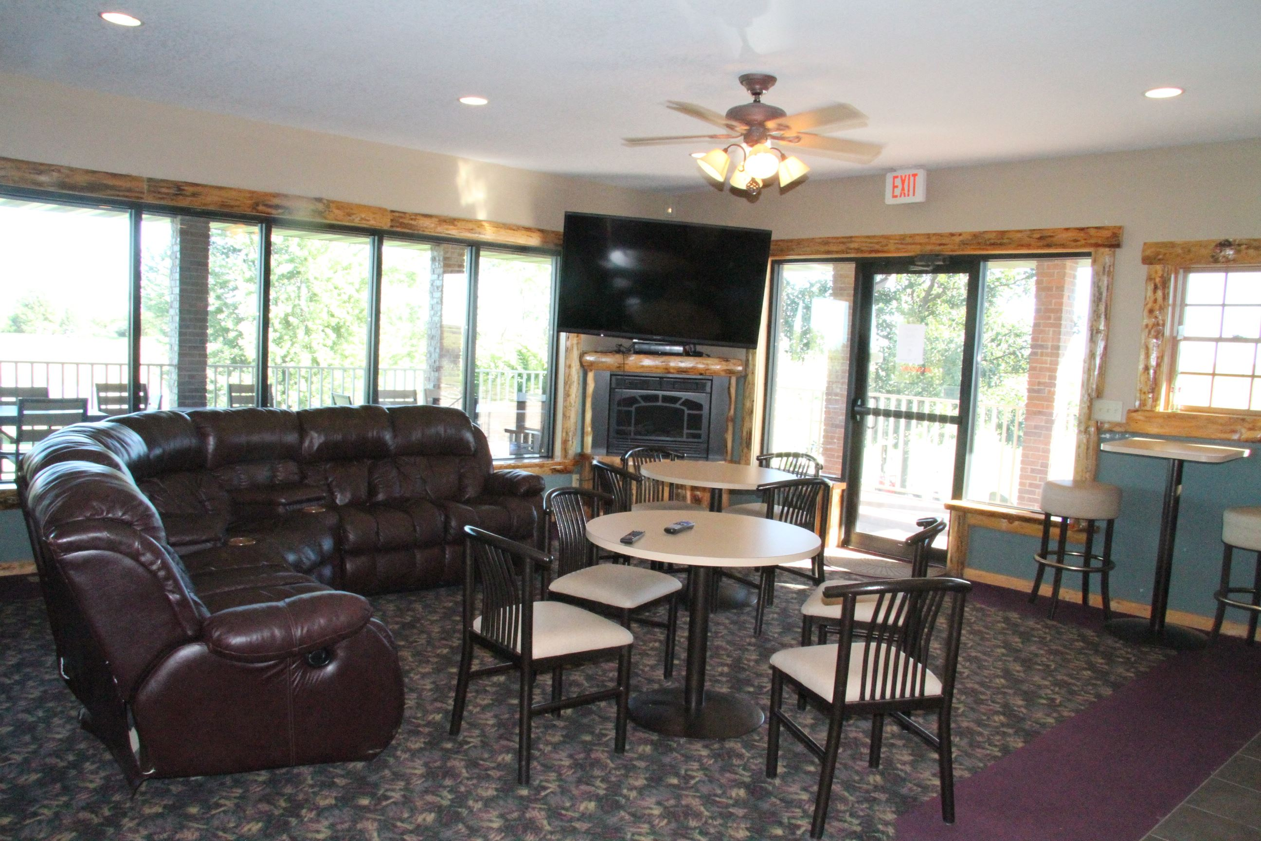 Country Club Lounge Area